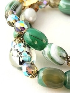 urban_hippie_healing_floating_flower_floral_bead_spiritual_agate_green_black_stretch_bracelet_modelimage3